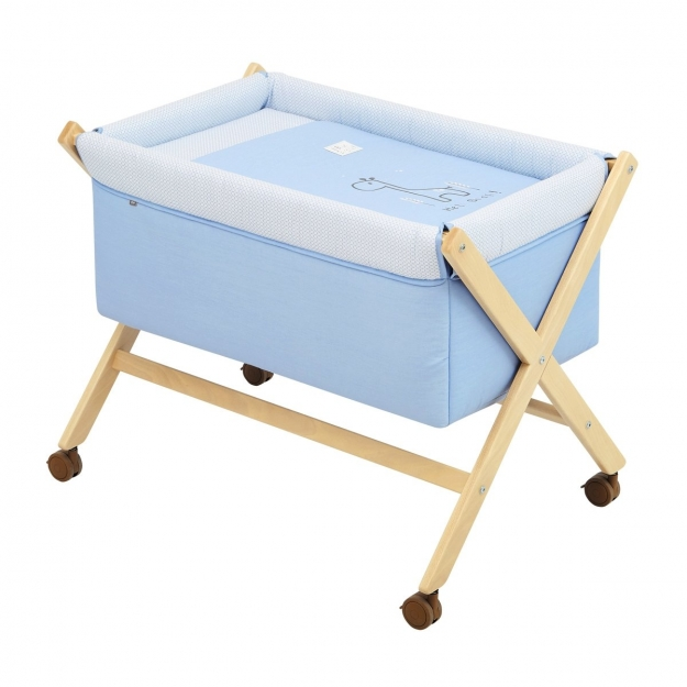 SMALL BED X WOOD UNE BE GIRAFFE BLUE/NATURAL 55x87x74 CM